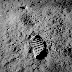 Apollo_11_bootprint